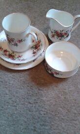 Royal Standard bone china 18 piece tea set with milk jug and sugar bowl