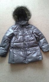 Grey Zara girls jacket with fur trimmed hood. Suit age 9 - 10 years. Ideal for the winter. £3.50