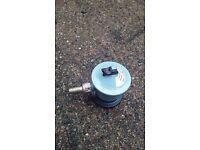 Gas regulator 584