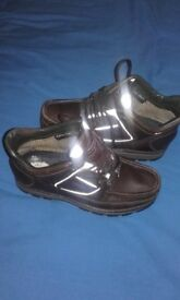 Boys/mens brown rockport walking boots