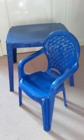 Play set blue indoor/outdoor plastic table and chair