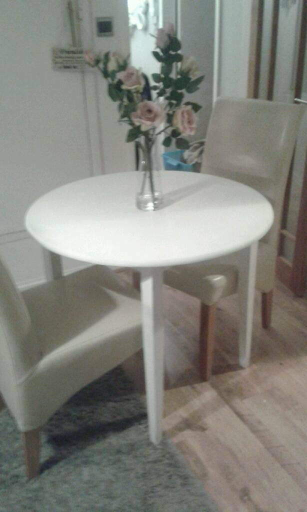 small dining table and 2 chairs  in benfleet essex  gumtree