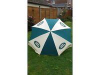 Sunshade / patio umbrella ( Land Rover)