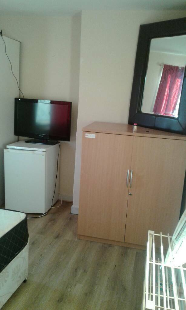 07463473970 Double Bet Room For Rent In Slough Close To