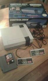 Nintendo entertainment system vintage retro boxed nes console controller bundle.