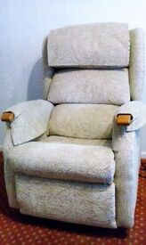 Electric Reclining Chair - 14 months old, excellent condition