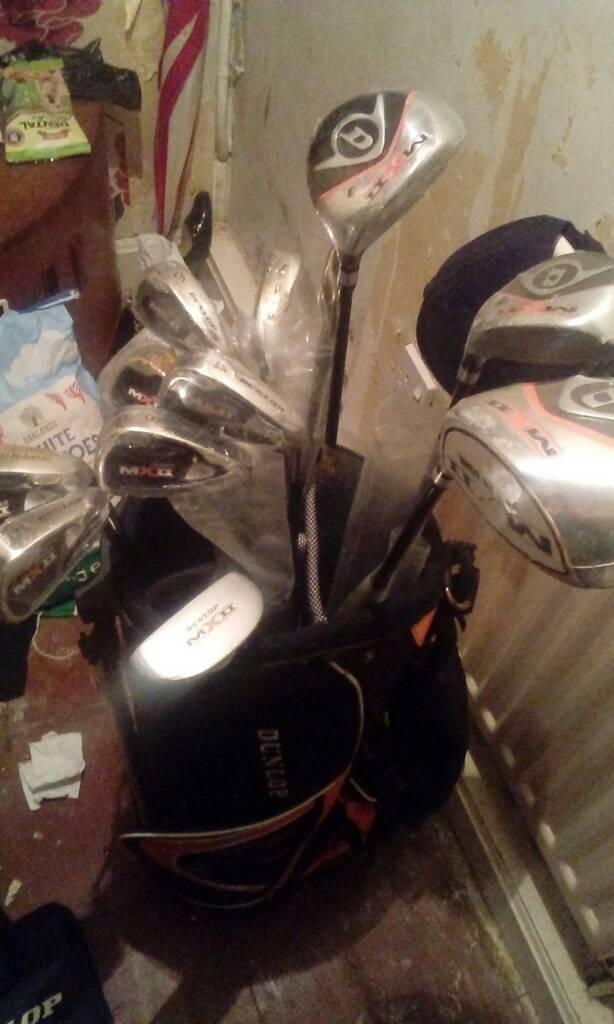 13 dunlop golf clubs and carry bag