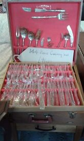 BOXED 144 PIECE CUTLERY SET £99.00 REALLY LOVELY
