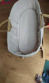 Baby basket with stand