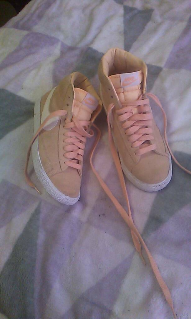Womans hi-top trainers