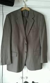 Man'suit