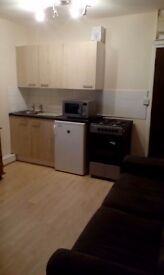 A good sized 1 bedroom studio flat located in Birmingham Central 5 ways area.Grab yourself a bargain