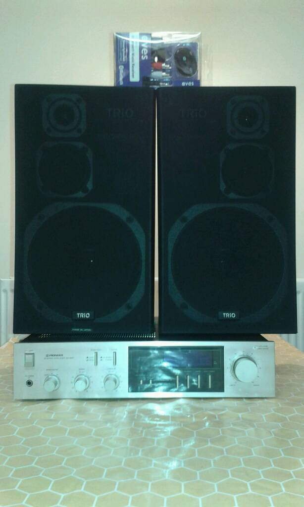 Pioneer amplifier and speakers