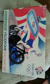 Scalextric velodrome cycling set