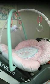 Baby floor mobile