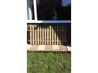 3ft round top picket fence