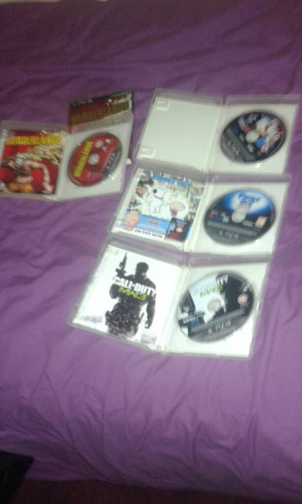 Ps3 gamesin Islington, LondonGumtree - Ps3 games call of duty mw3..ps3 family guy ..smack down 2011 and borderlands all in good working order..please be advised I am in the n1 area