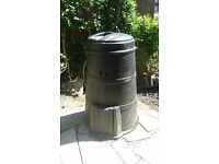 Black compost bin with screw lid (free to collect)