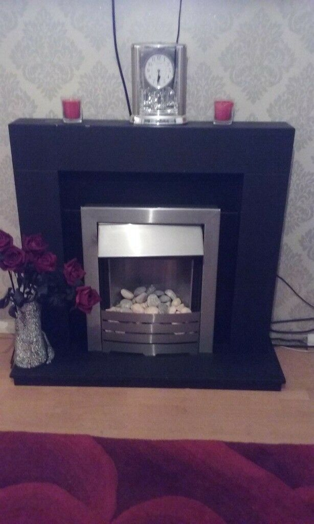 BLACK FIRE SURROUND WITH CHROME ELECTRIC fire