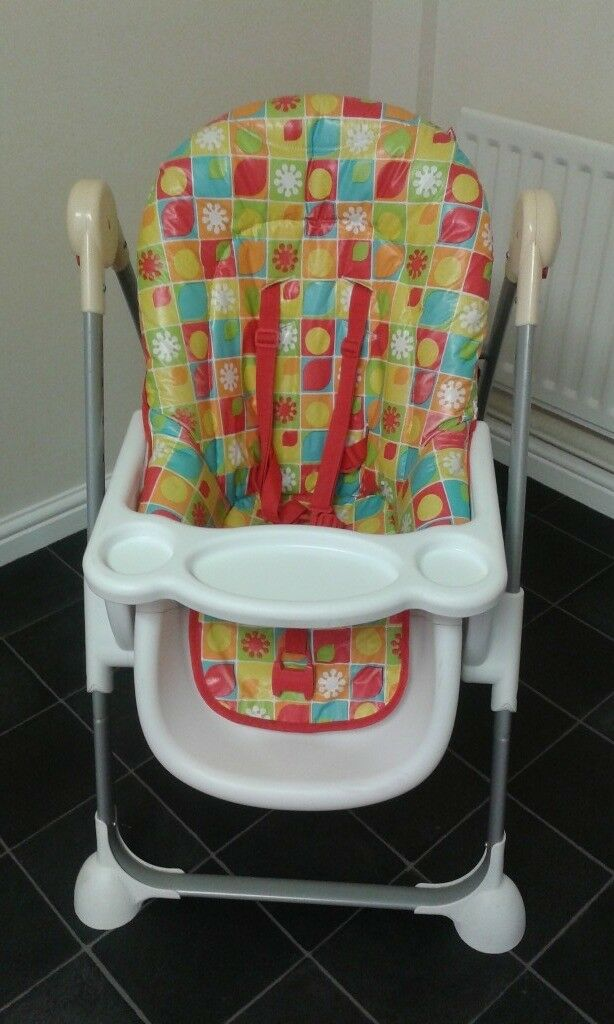Childrens Highchair in immaculate condition hardly used can be used high or low £20