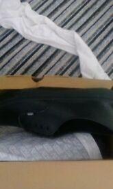 size 9 new black leather vans