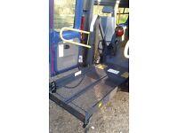 Wheelchair lift minibus ramp gwo