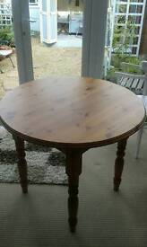 Pine round dining table