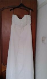 Pre owned ivory wedding gown size 12