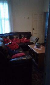 DOUBLE BEDROOM TO RENT 90£ PW