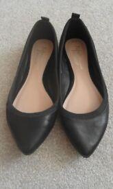 Black Ballerina shoes Size 8