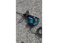 Makita HR4011C Breaker