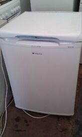**HOTPOINT**UNDERCOUNTER FRIDGE**ONLY £50**BARGAIN**MORE AVAILABLE**COLLECTION\DELIVERY**NO OFFERS**