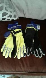 Sealskinz cycle xp gloves. Brand new.