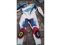 Scott full motor bike leathers size 44