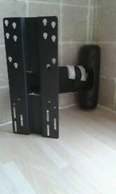 Corner tv bracket