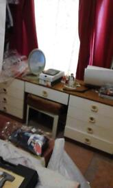 dressing table and waedrobe