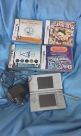 Silver Nintendo DS Lite with 4 games £30