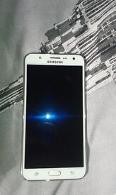 Samsung Galaxy J7 boxed..needs new screen..3 days use out of it