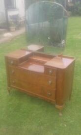 vintage/old style dressing table