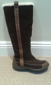 NEW Fat face ladies knee length boots.Brown suede fur lined boots size 5