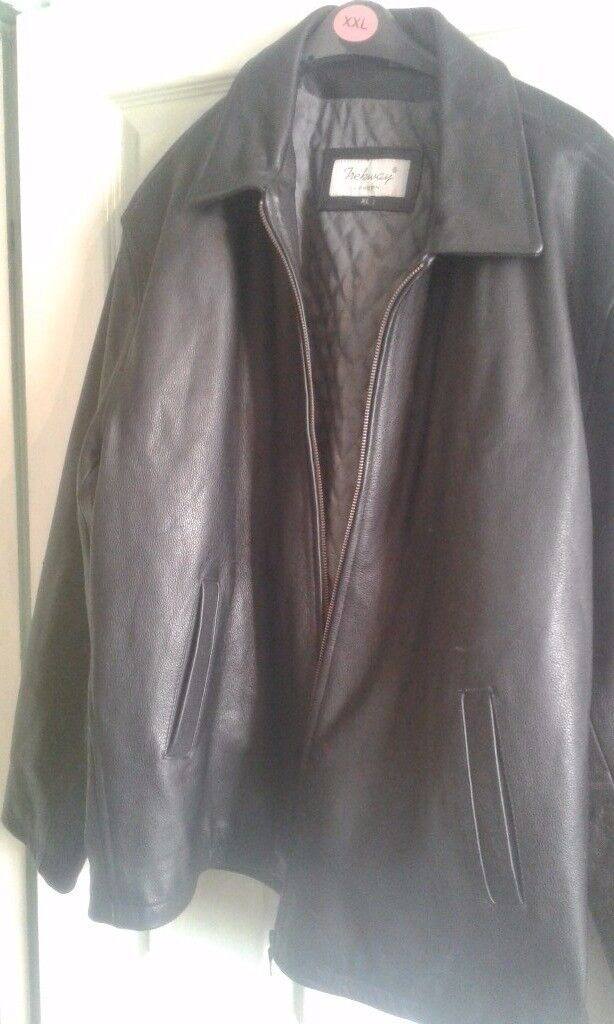 Mens Trekway leather jacket, size XL excellent condition