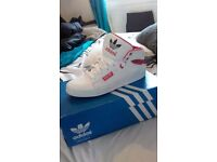 adidas trainers. size 5.5 but more like a 6/6.5