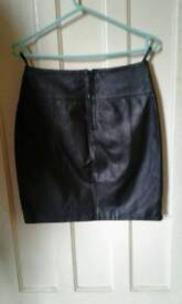 NO TEXTS PLEASE. LOVELY QUALITY BLACK LEATHER SKIRT SIZE 10 £15