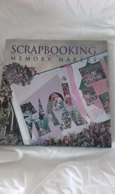 Book: Scrapbooking with Memory makers (Hardback)