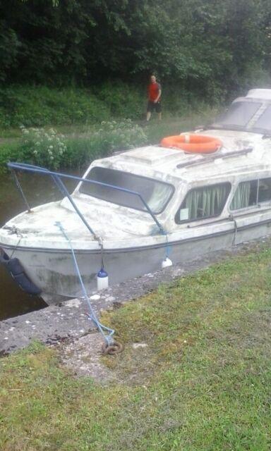 Boat with Honda outboard   in Abertillery, Blaenau Gwent   Gumtree