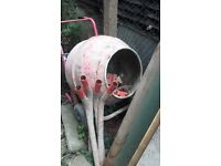 Good working electric cement / concrete mixer very quiet motor