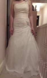Designer Wedding Dress Ivory Size 14 Bustier Beaded Full Length, lace up back & Feather shrug/bower