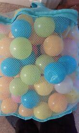Net of play balls
