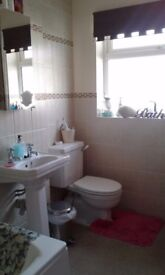 DOUBLE BEDROOM IN 3 BED HOUSE FOR SINGLE OCCUPANCY £475 PER MONTH INCL ALL BILLS & WIFI. BN11