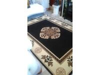 BEAUTIFUL BLACK AND CREAM RUG 220X160 GREAT CONDITION